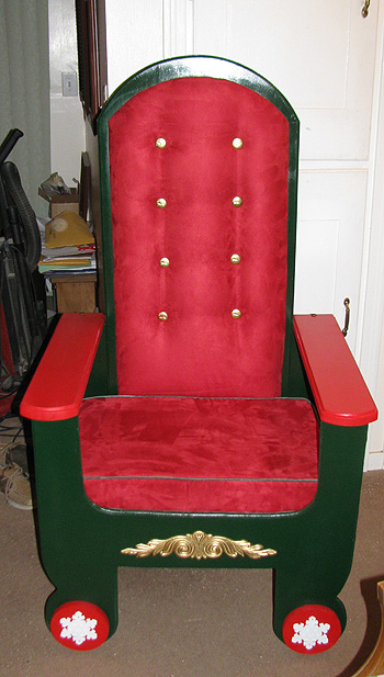 folding-mrs-claus-chair-02