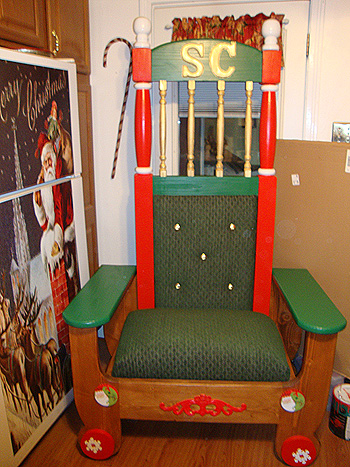 two-piece-santa-chair-01